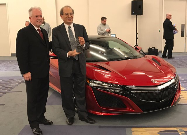acura-nsx-luxury-green-car-of-the-year