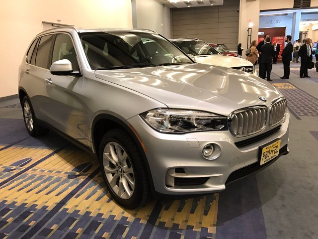 bmw-x5-green-suv-of-the-year
