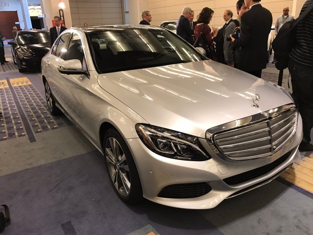 mercedes-benz-c350e-connected-green-car-or-the-year